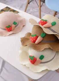 ست کلاه و کیف حصیری طرح هویج و توت فرنگی
